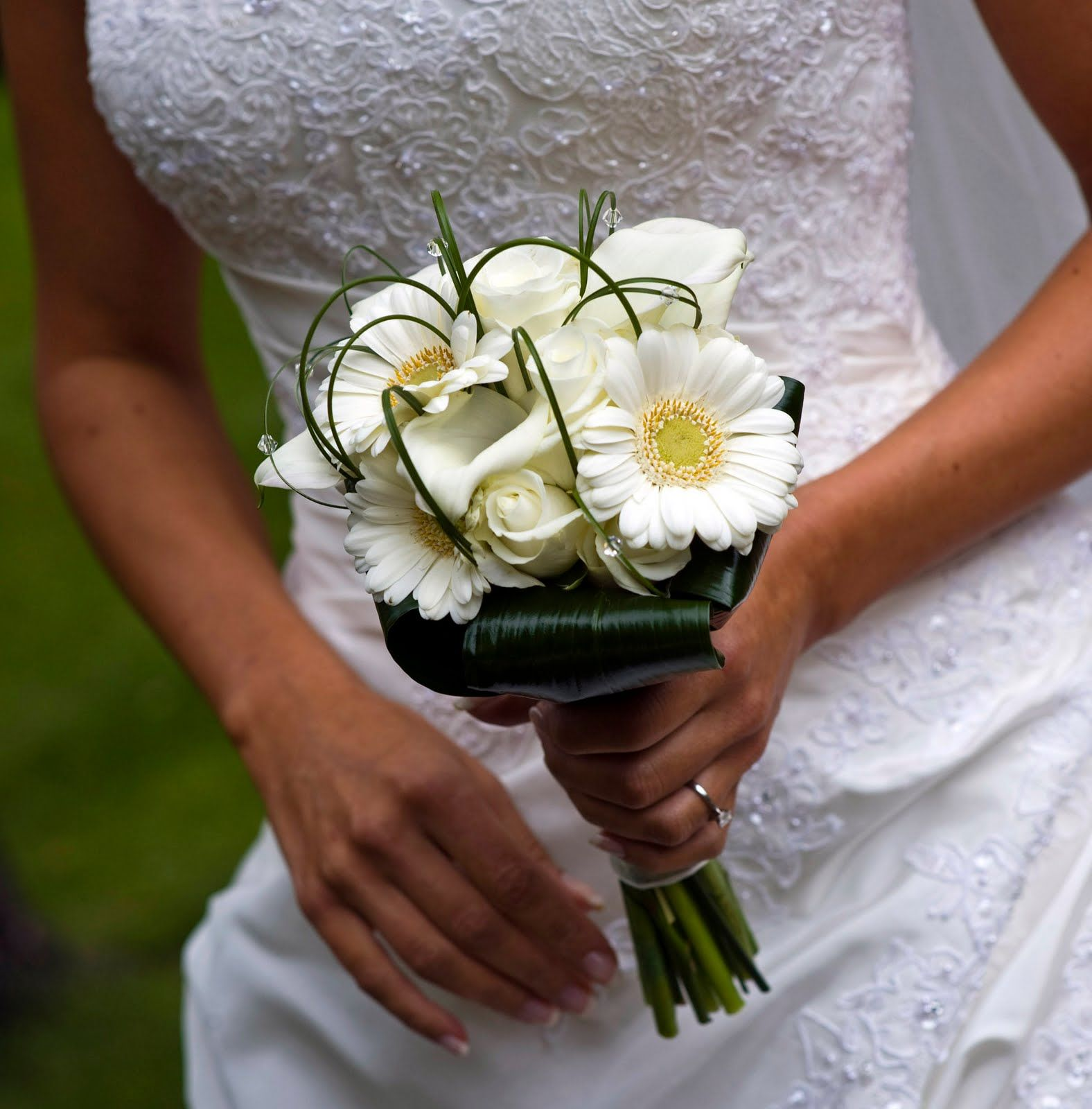 Small Simple Wedding Bouquets : Small calla lilly bridal boquets the bridesmaid s bouquets were simple linear lily