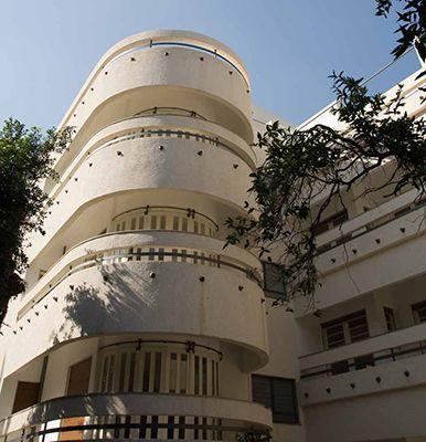 "Bauhaus Balconies l 65 Sheinkin St., Tel Aviv-Yafo – The Rubinsky House | Amnon Bar Or Architects , historical preservation l אמנון בר אור ושות' אדריכלים בע""מ"