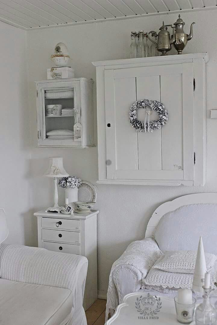 Love The Wall Cabinets Shabby Chic Bedrooms Shabby Chic Furniture Shabby White