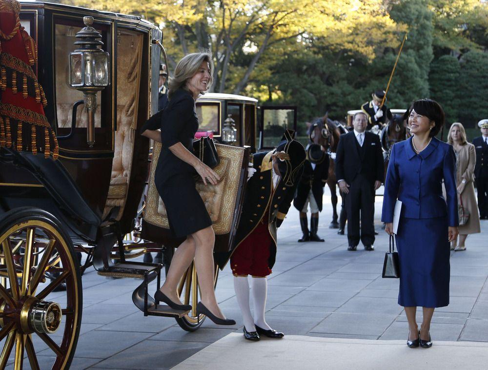 Caroline Kennedy Meets Japan Emperor Arriving By Horse Drawn Carriage Caroline Kennedy Kennedy Kennedy Family