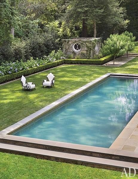 I want my grass right up along poolside like this.