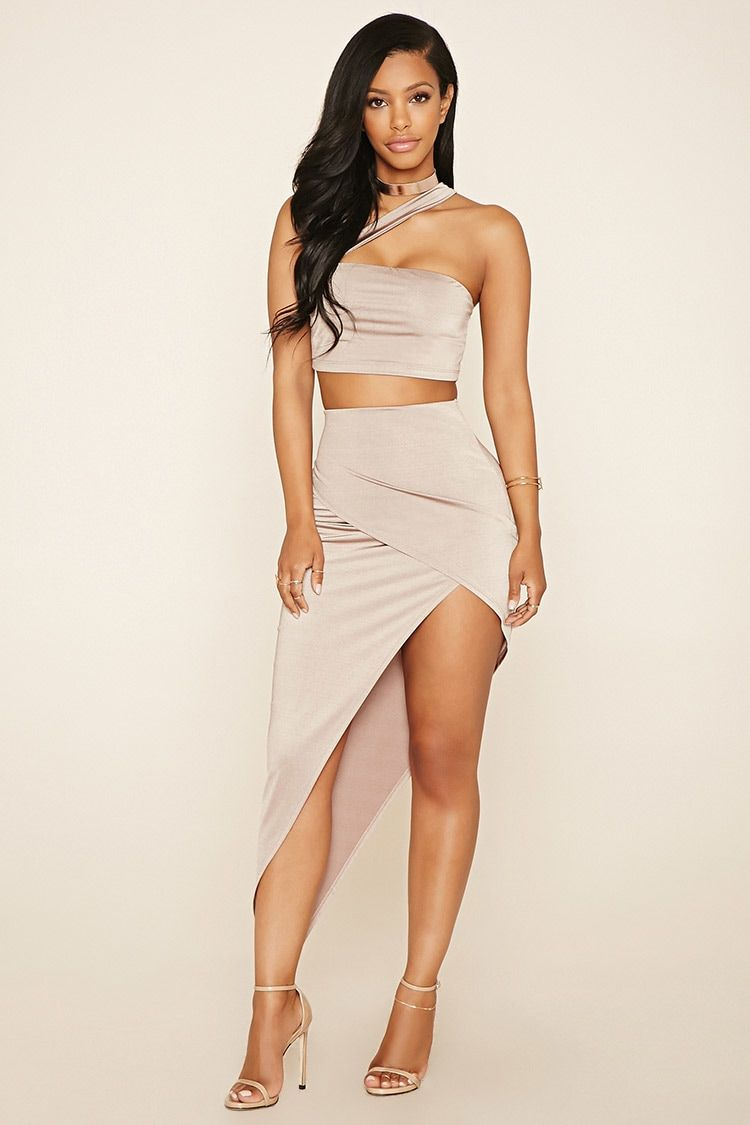 a two piece stretchknit set featuring a crop top with a