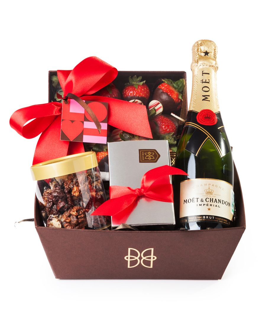 Canasta Love Con Fresas Truffas Enjambres Y Champagne Love And  # Champagne Muebles Uy