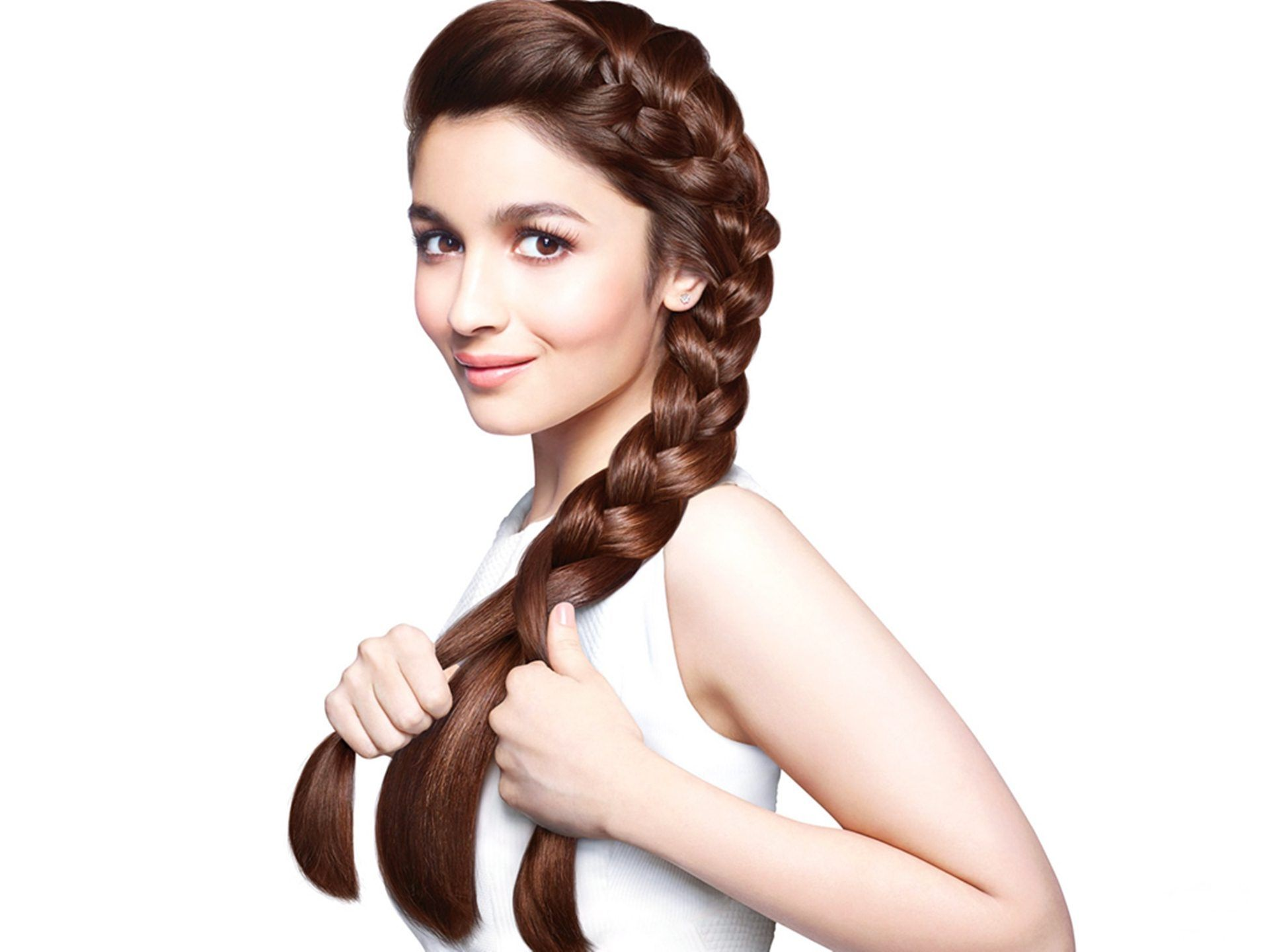 Famous Indian actress Alia Butt with new hairstyle http://tinyurl ...