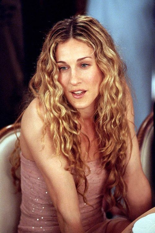 11 Times Carrie Bradshaw Made Curls Look Good Carrie Bradshaw