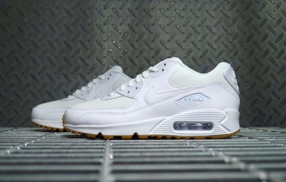 quality design d3a49 ccbfb Nike Air Max 90   White Gum Light Brown   WMNS Trainers  325213-