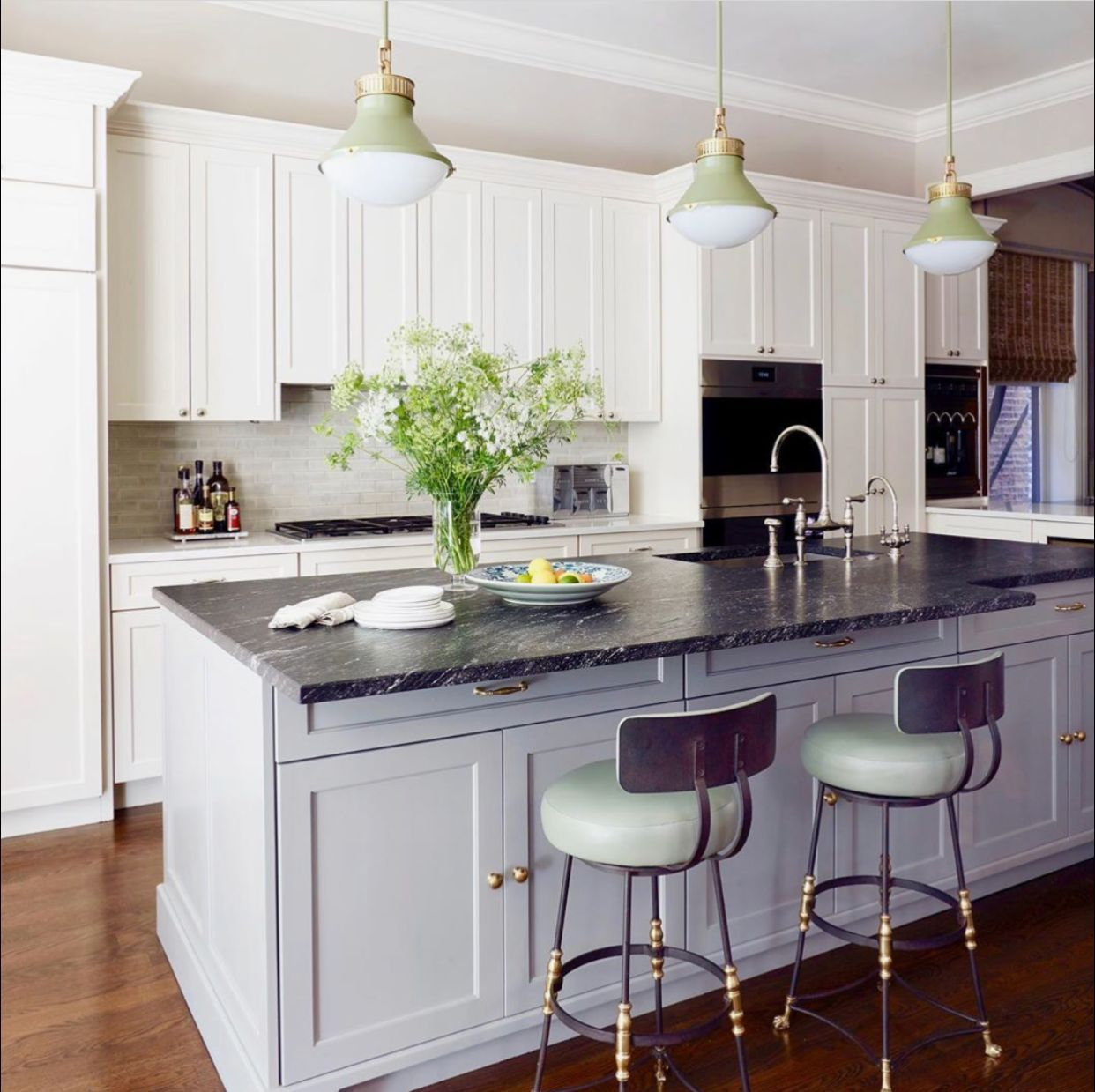 Kitchen Envy How Stunning Is This Kitchen By Jamesthomasinteriors Spottedpaulferrante Our S In 2020 Granite Countertops Kitchen Bar Stools Black Granite Countertops
