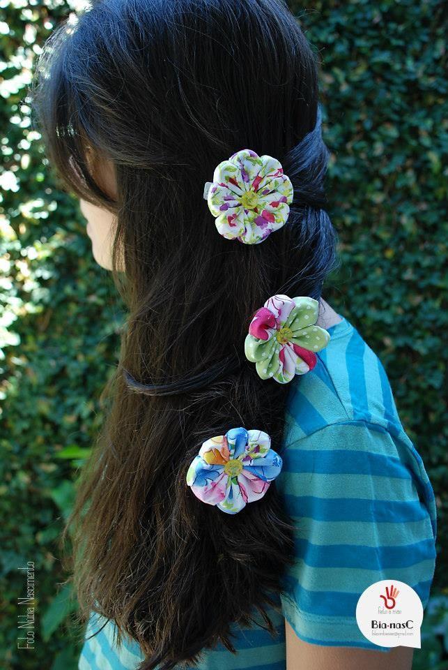 Flor em tecido, Broche www.facebook.com/BCBianasC