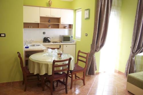 Apartments in Vila Koral Petrovac na Moru Featuring free WiFi, Apartments in Vila Koral is located in Petrovac na Moru, 12 km from Budva. Podgorica is 37 km from the property. Free private parking is available on site.  All units include a flat-screen TV.