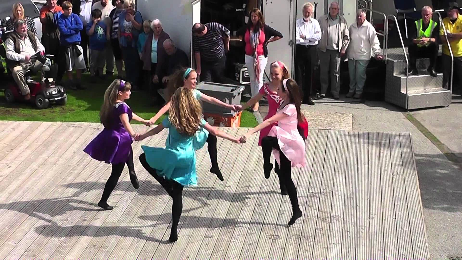 Trim The Velvet This Is How You Put On A Show Irish Dance Costume Irish Dance Irish Step Dancing