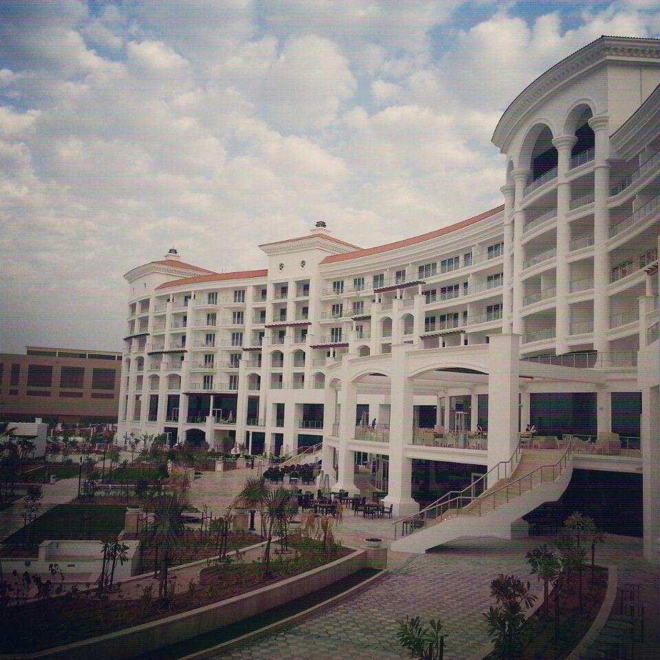 Waldorf Astoria Dubai Palm Jumeirah In دبي دبي Trips Pinterest