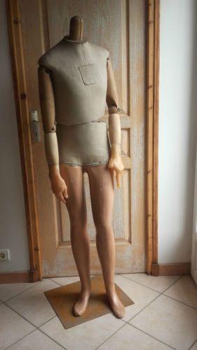 Ancien-mannequin-articule-bois-Paris-antique-mannequin-theatre-costume