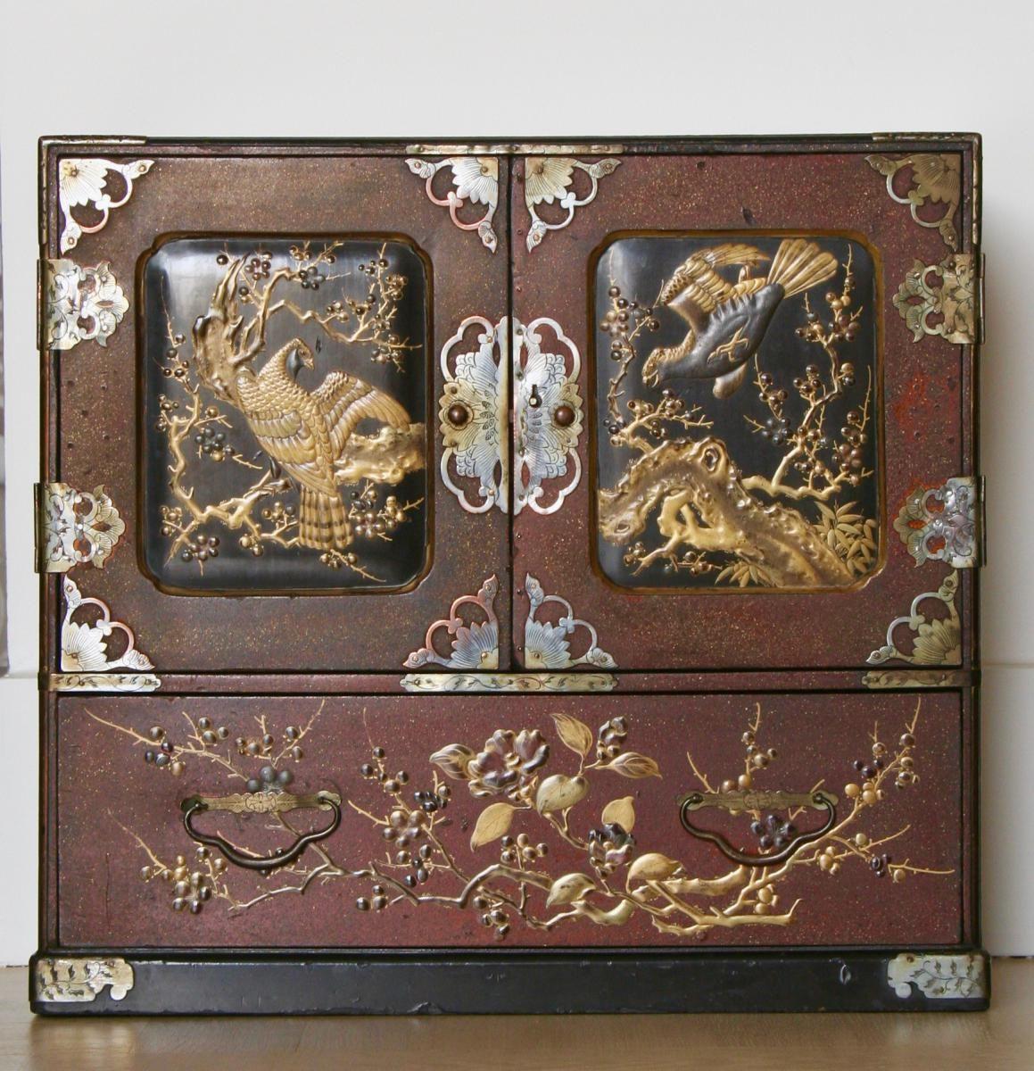 Cabinet En Laque Du Japon Or Brun Et Noir Epoque Meiji Antina
