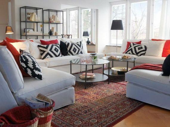 Wohnzimmer Design Ideen IKEA Weiße Möbel Bedruckte Kissen