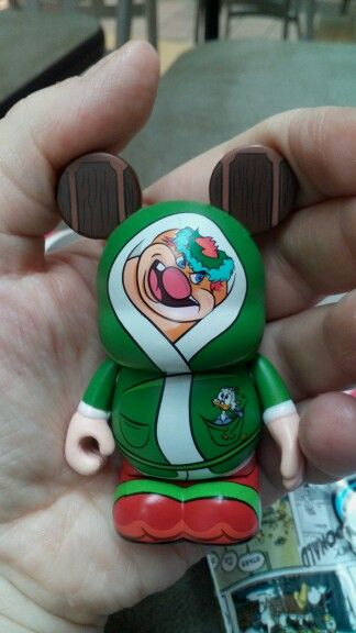 Got lucky today with trading a vinylmation at the Disney Store. Not sure if I already have this guy though