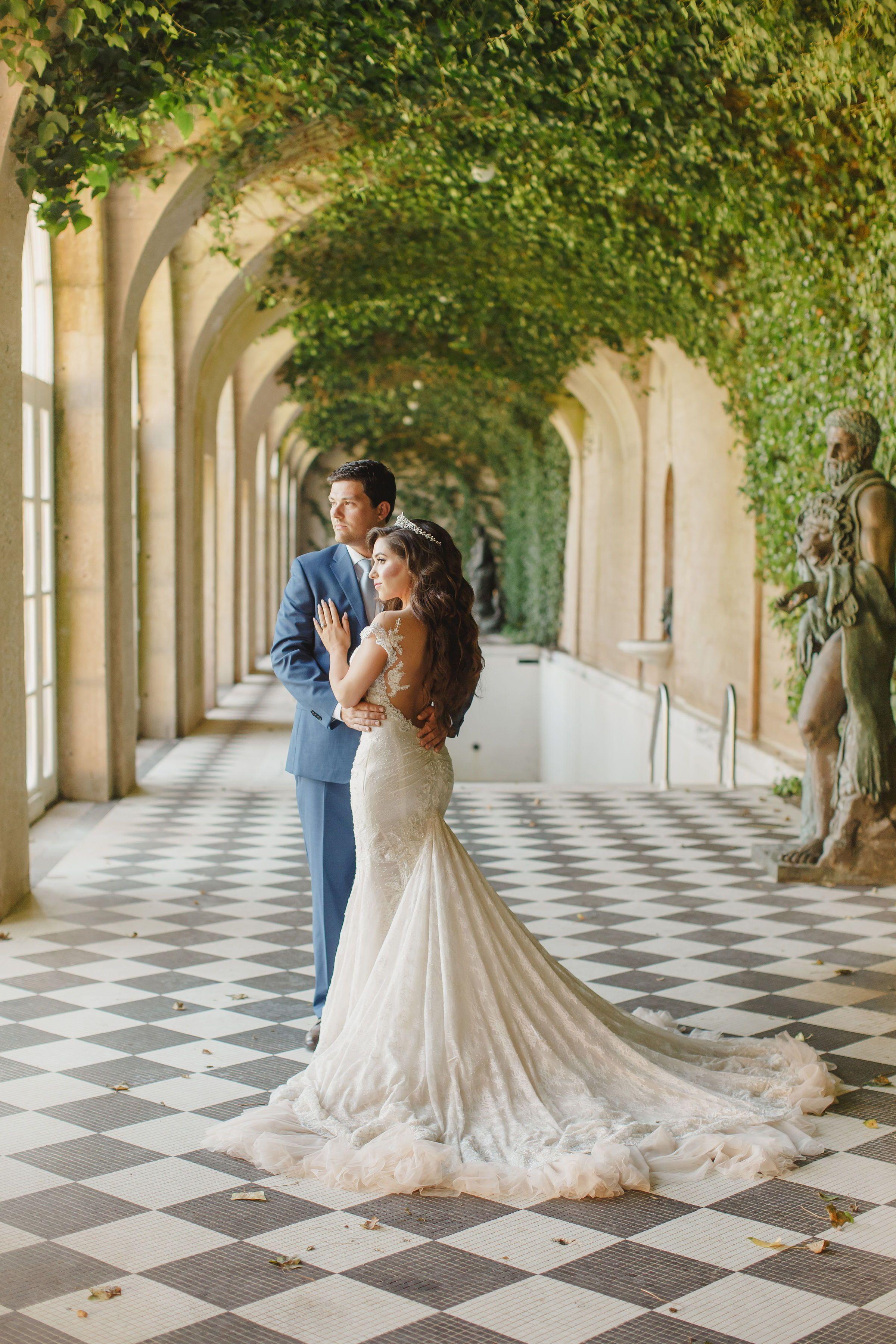 Luxury Fairytale Wedding At Oheka Castle Wedding Venue In Long Island Ny Galia Lahav Bridal Bridal Gown Inspiration Galia Lahav Wedding Gowns Wedding Photos