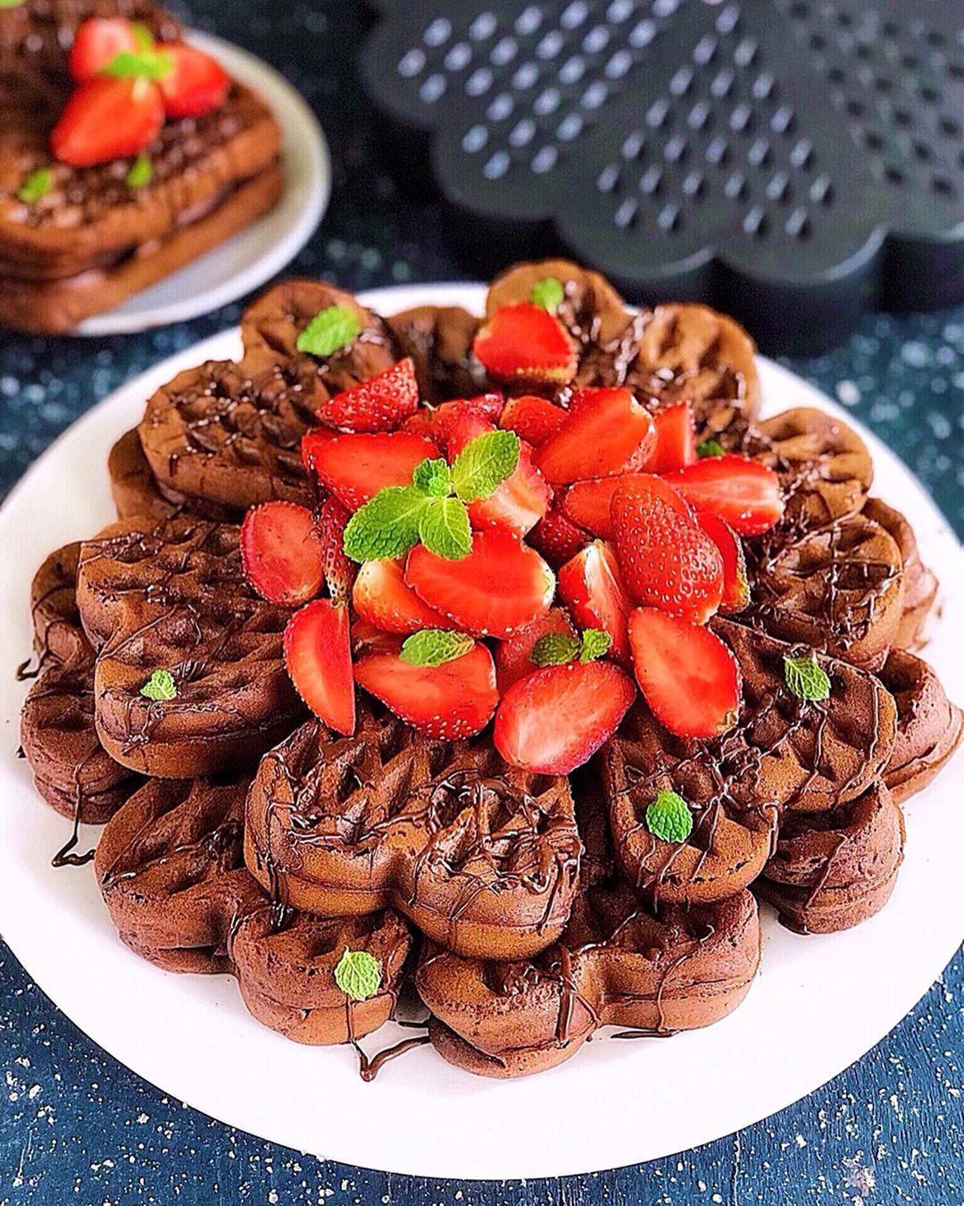 Resep Waffle Coklat Belgian Dan Cara Membuat Belgian Chocolate Waffle Lengkap Bahan Bikin Waffle Topping Stroberi Serta Resep Resep Makanan Resep Masakan Resep