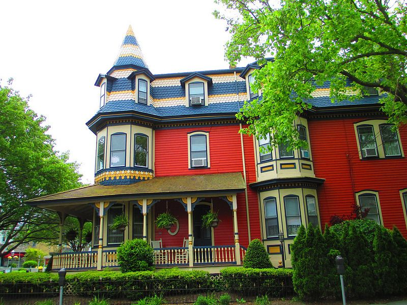 A Blog Dedicated To Beautiful Victorian Homes Disclaimer These Photos Do Not Belong To Me Unless Otherwise Noted In 2020 Victorian Homes House Styles Beautiful Homes