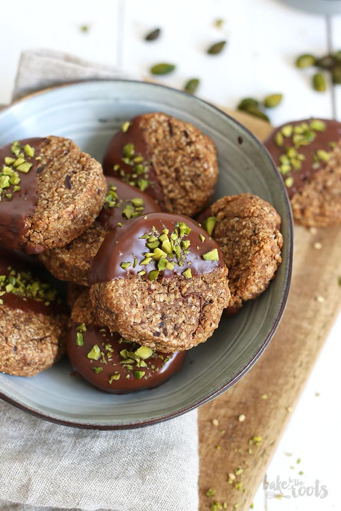 Vegane Dattel Tahini Pistazien Cookies | Bake to the roots