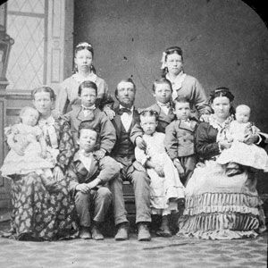 What's the history of polygamy in North America? | History