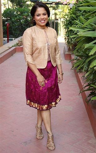10 Ways To Transform And Reuse Old Sarees From Your Mom's Wardrobe #saridress
