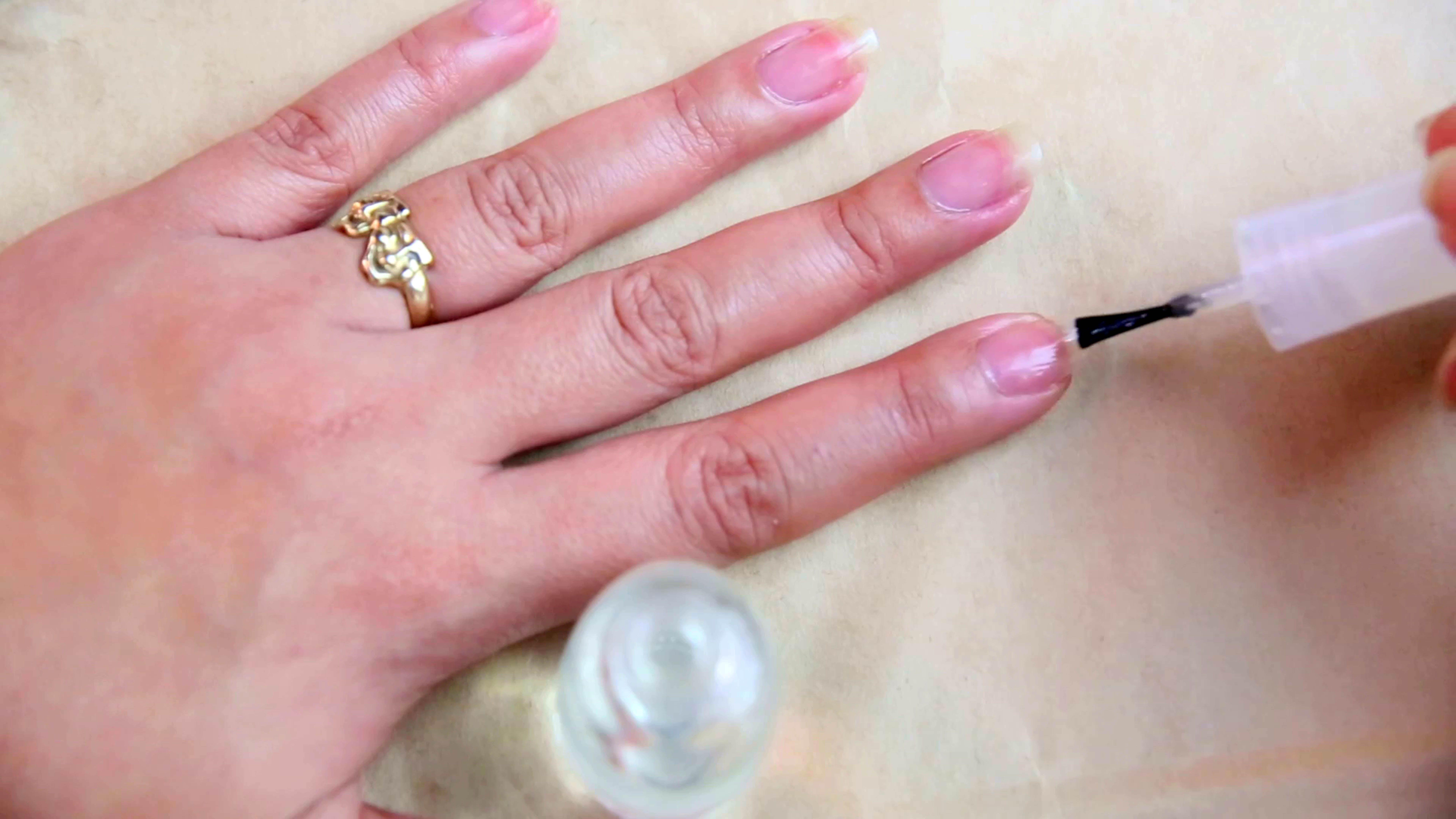 How To Remove Press On Nails Press On Nails Glue On Nails Nail Polish