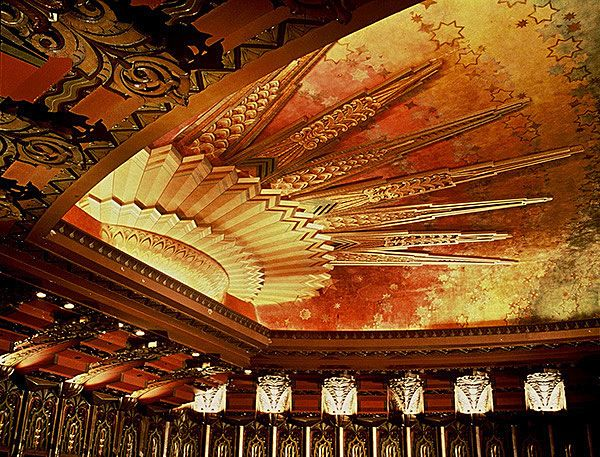 Interior Of The Wiltern Theater In Los Angeles The Ancient Egyptian Influence On This Style Is