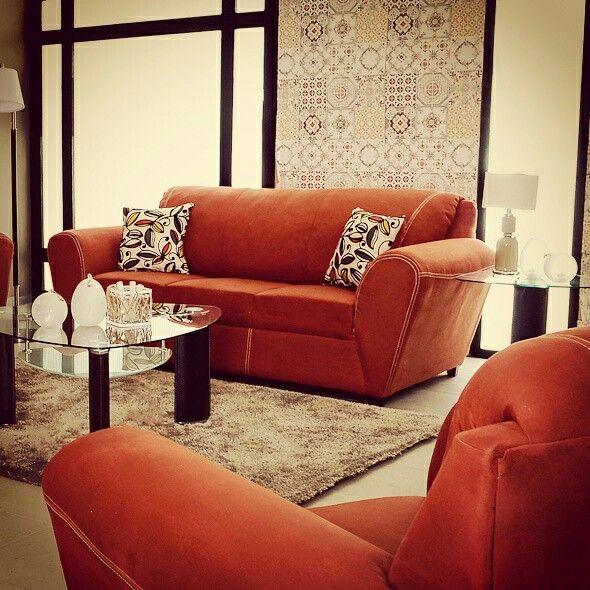 Dico salas tapiz naranja decoracion for Saga falabella muebles de sala ofertas