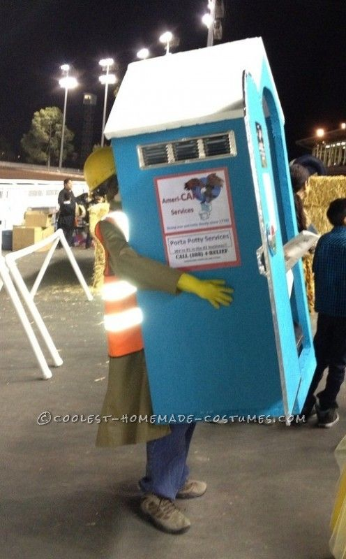 construction worker jerking off in a portapottie