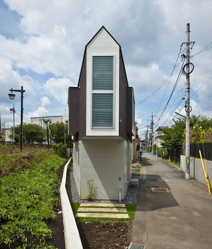 Maximaler Nutzen Bei Minimaler Grundfläche: Schmales Haus In Horinouchi Auf  Gerade Einmal 55,24