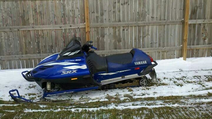 My 1999 Yamaha SRX 600 Triple Snowmobiles Sled Lead