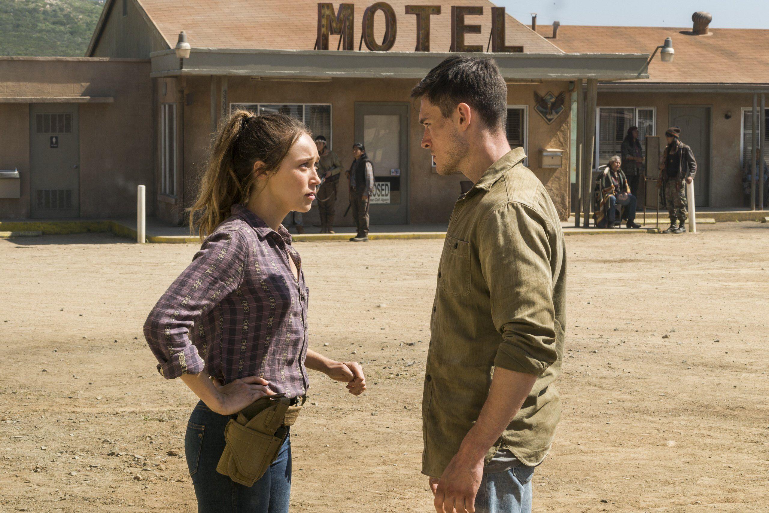 Jake Otto Alicia Clark Alycia Debnam Carey Fear The Walking Dead Fear The Walking Fear The Walking Dead The Walking Dead