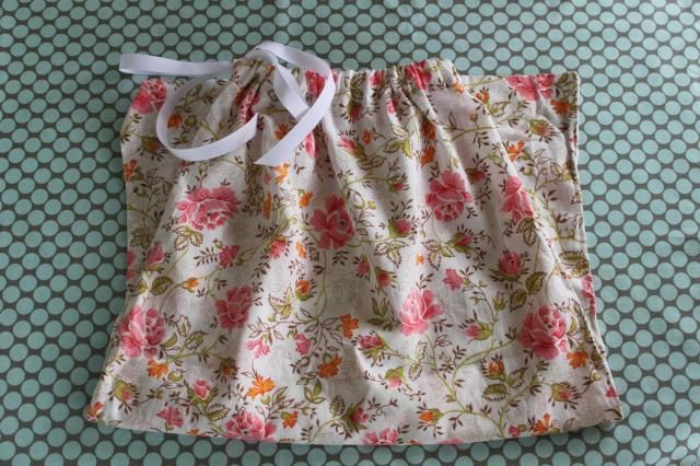 Tutorial Tuesday: recycled pillowcase bag - Mollie Makes & How to make a drawstring bag out of an old pillowcase--another ... pillowsntoast.com
