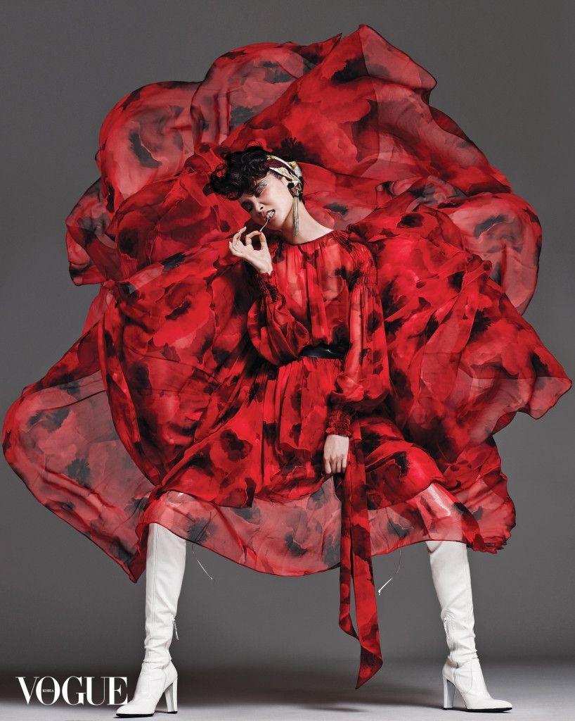 KOREAN MODEL • Song Kyung Ah by Yoo Young Gyu for Vogue Korea Feb...