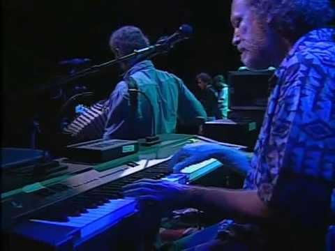 """Grateful Dead Perfrom """"Its All over Now, Baby Blue"""" RFK 6-14-91"""