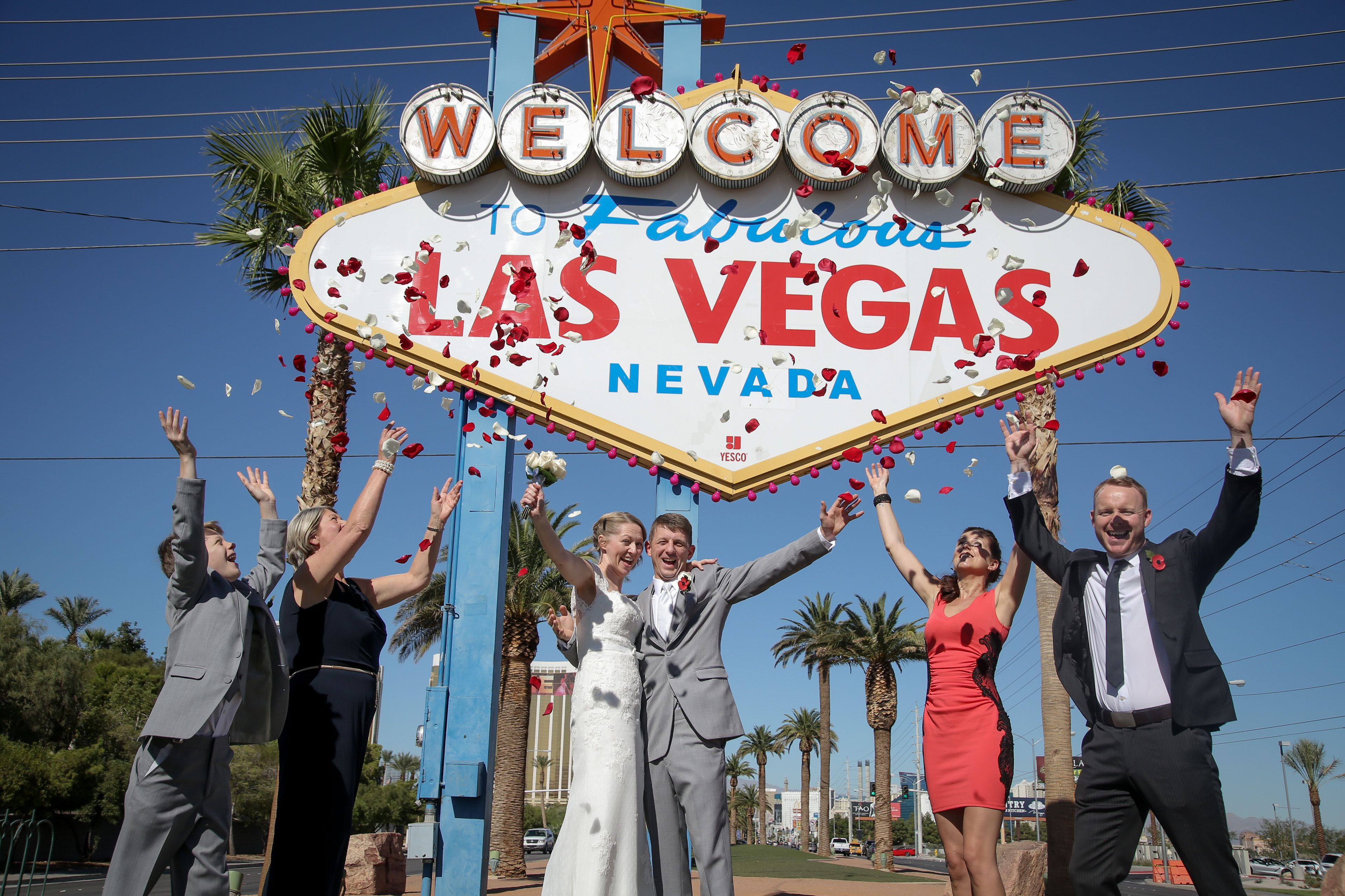 Pin On Las Vegas Strip Wedding Photo Shoots