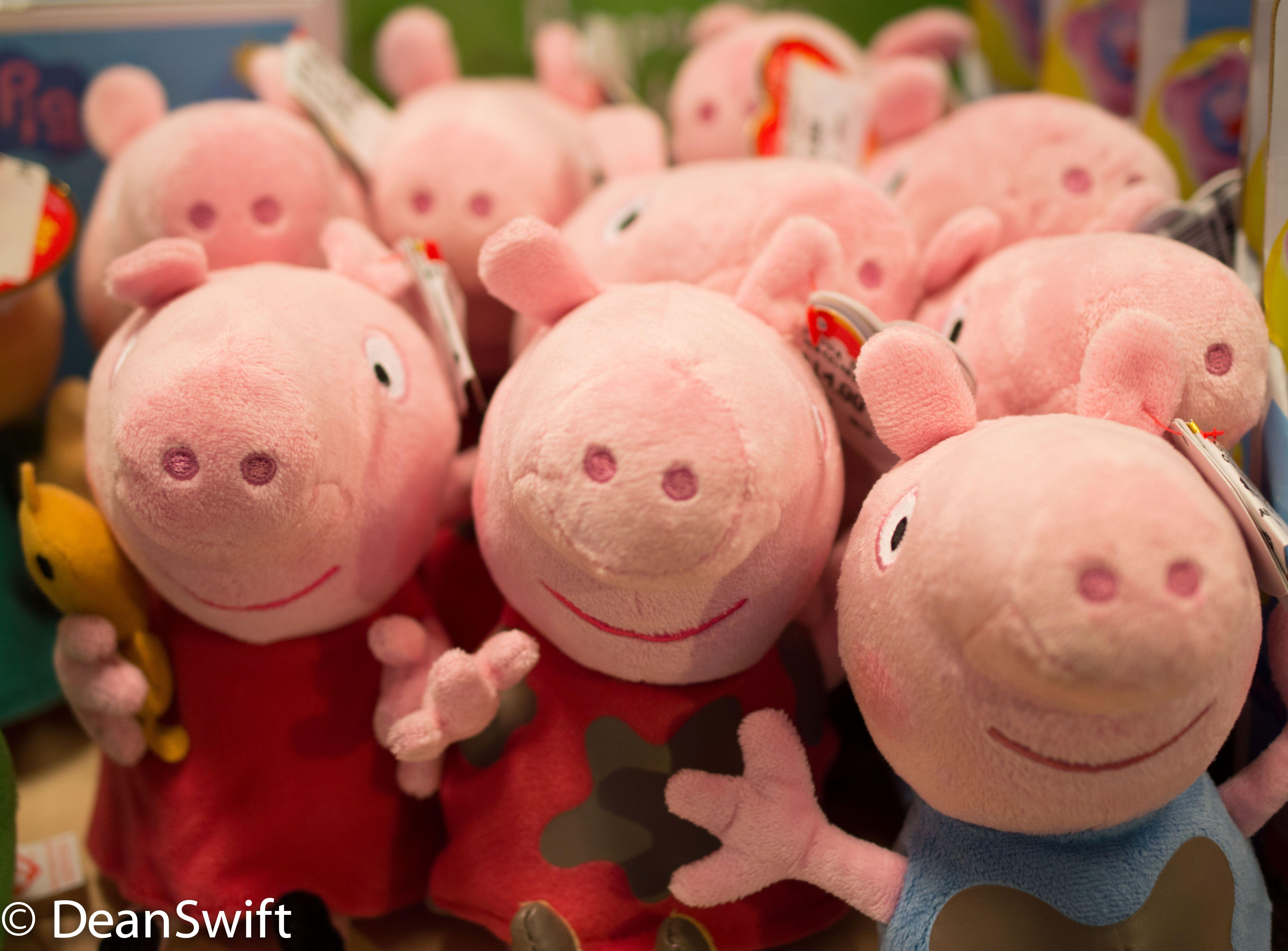 I Spy With My Little Eye Peppa Peppa Pig Peppa Pig [ 4000 x 5413 Pixel ]