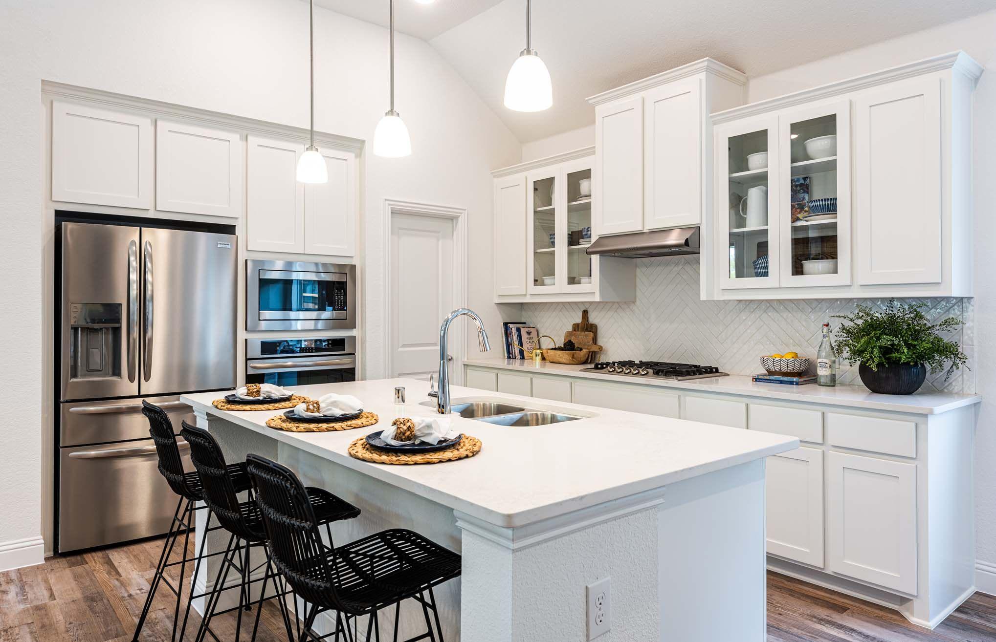 White in Modern Kitchen Trinity Falls in 2020