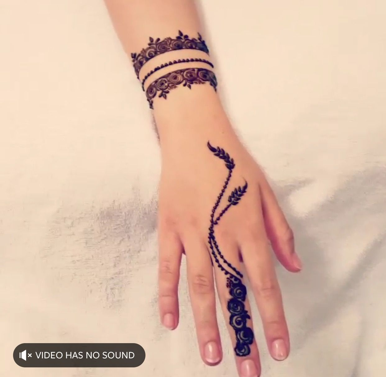 Pin By Oysh On Mehedi Henna Designs Hand Mehndi Designs For Fingers Henna Tattoo Hand