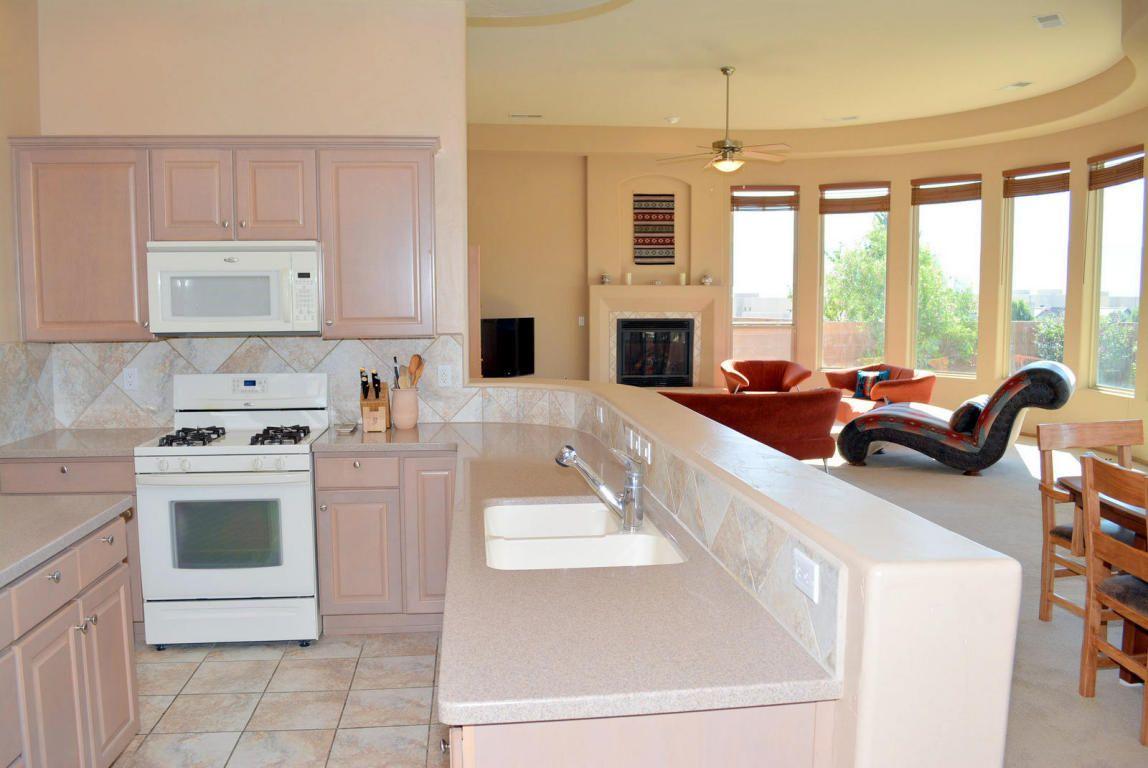 Real Estate For Sale 4809 Mi Cordelia Drive Albuquerque Nm 87 Open Floor Plan Kitchen Kitchen Living Living Room Kitchen
