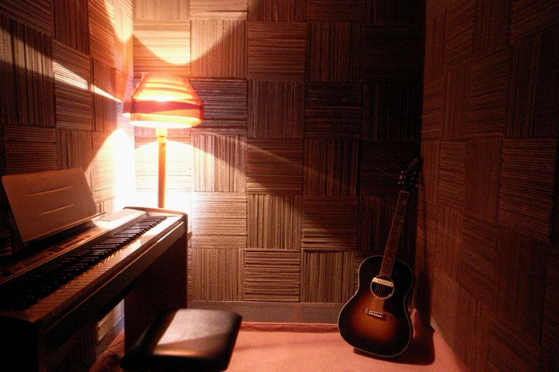 Diy Soundproof Room With Cut Cardboard Panels