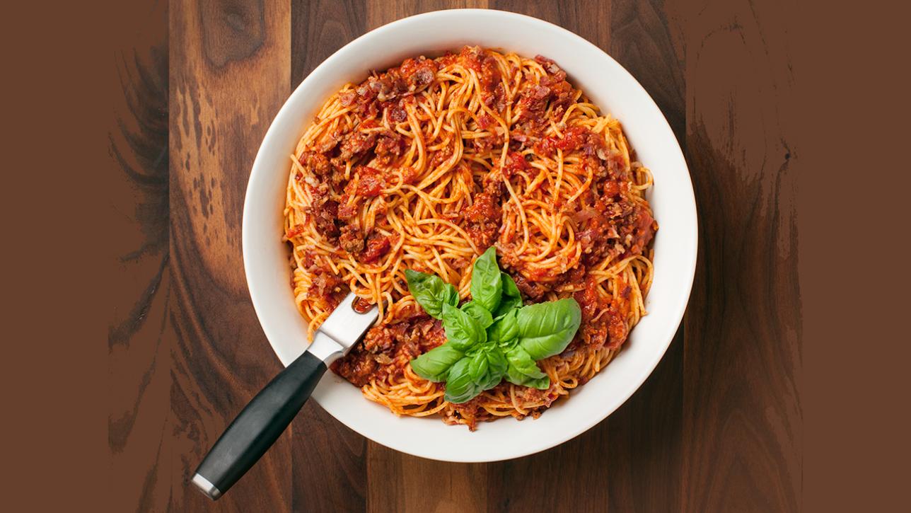 Une recette de sauce tomate à spaghetti sur Zeste.tv et recettes.zeste.tv