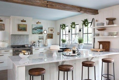 küche mit kochinsel wandbilder holzbalken schöne barhocker   Küche ...