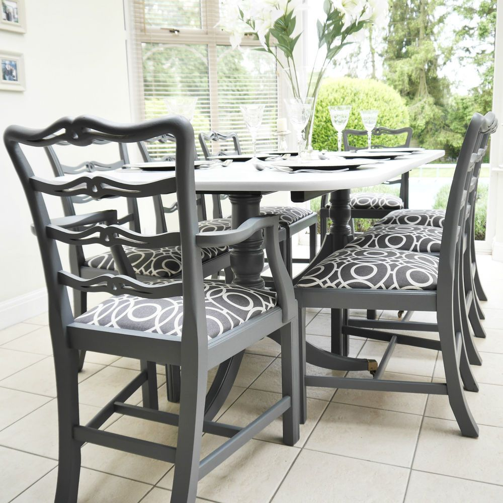 FABULOUS DINING TABLE AND CHAIRS, EXTENDING TABLE, CLASSIC
