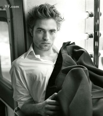 Robert Pattinson Fashion and Style - Robert Pattinson Dress, Clothes, Hairstyle - Page 16