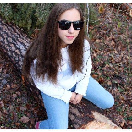 Converse CT Sonnenbrille Black. Accessoires sind schöne und oft auch praktische kleine Dinge, die deinen Style komplettieren und aufwerten können. Sonnenbrillen gehören zu den wichtigsten und nützlichsten Accessoires die es überhaupt gibt. Diese Brille aus dem Hause CONVERSE ist dazu noch modisch aktuell und übel angesagt.