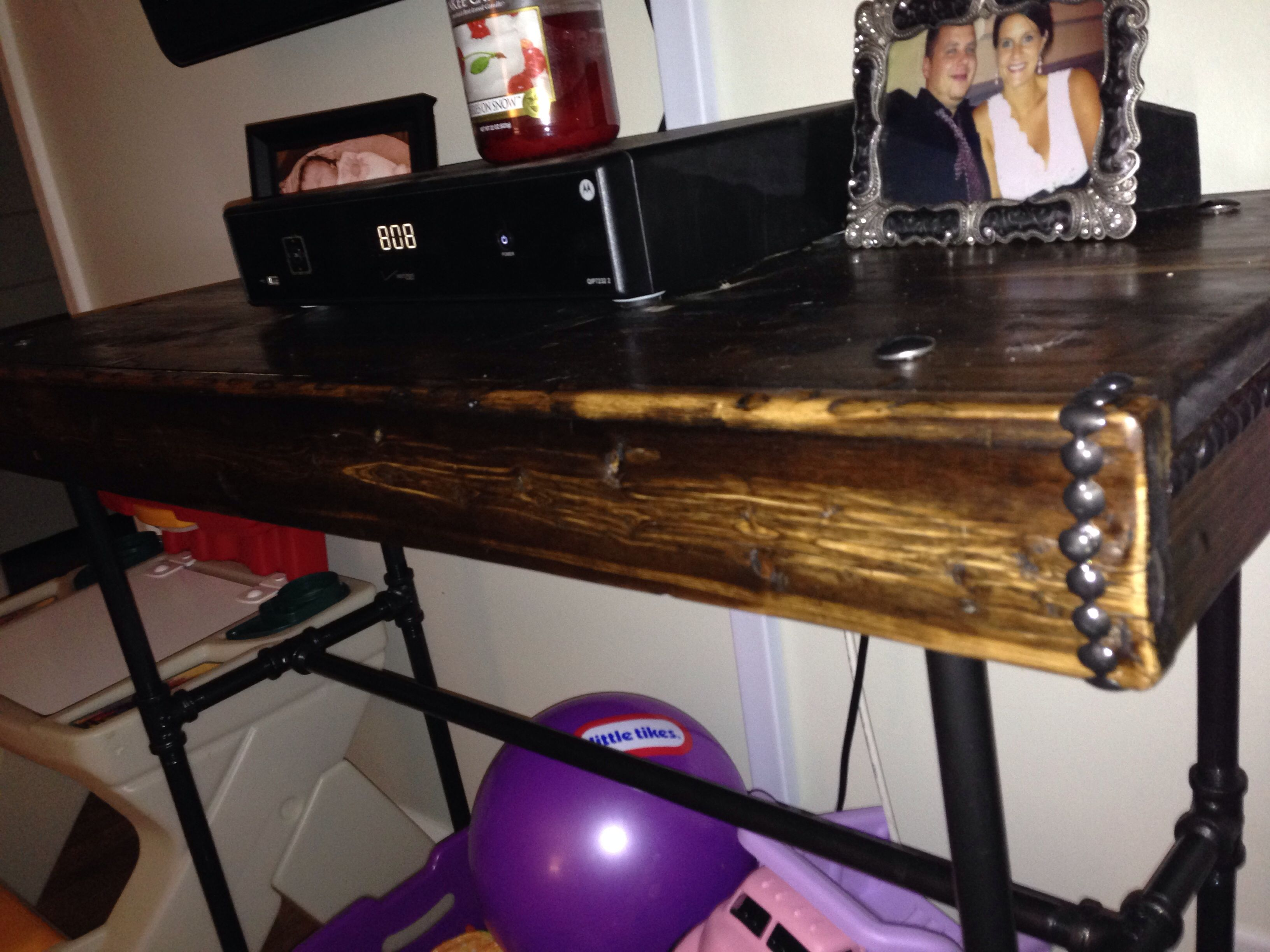 Pallet wood console table with the base made out of cast