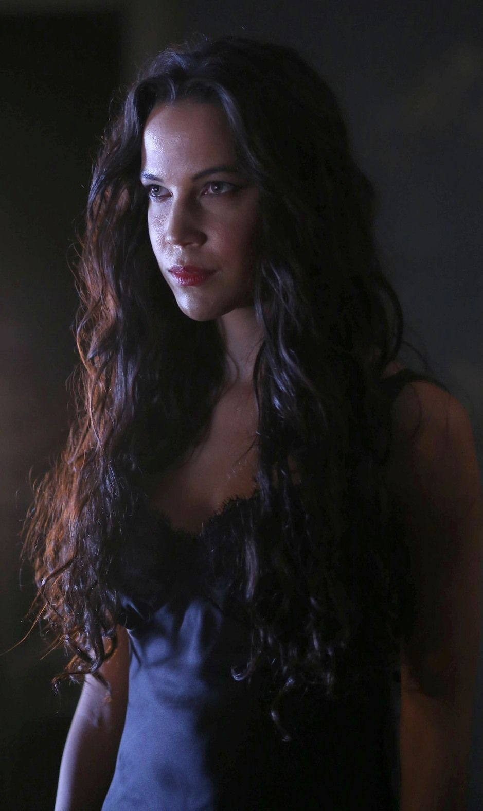 Sleepy Hollow Ford >> Succubus Lilith Played By Caroline Ford Introduced In