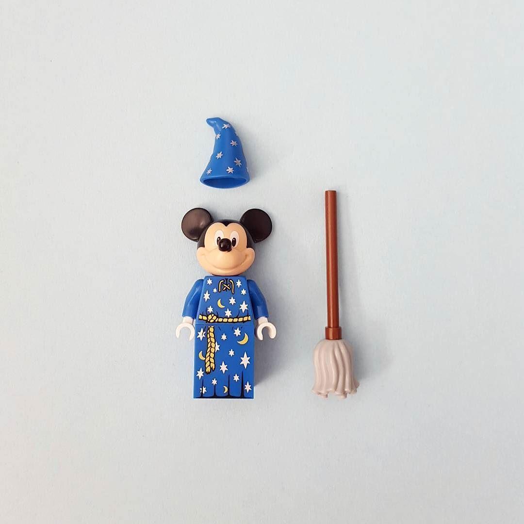 The apprentice.  #lego #legos #legostagram #toy #legonews #toynews #legoinstagram #toys #toystagram #legominifigures #legominifigure #legominifigs #minifigures #disney #mickeymouse #toystory #cute #afol #waltdisneyworld #waltdisney #minniemouse #disneyland #bricknetwork #brickcentral #instatoys #instalego by brickowskii