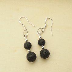 Boucles d'oreilles en argent et perles de lave (basalte) naturelles